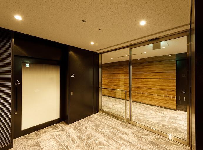 ベルサール田町 喫煙室入口